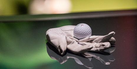 Golf O Max à Boucherville - Gant et balle de golf