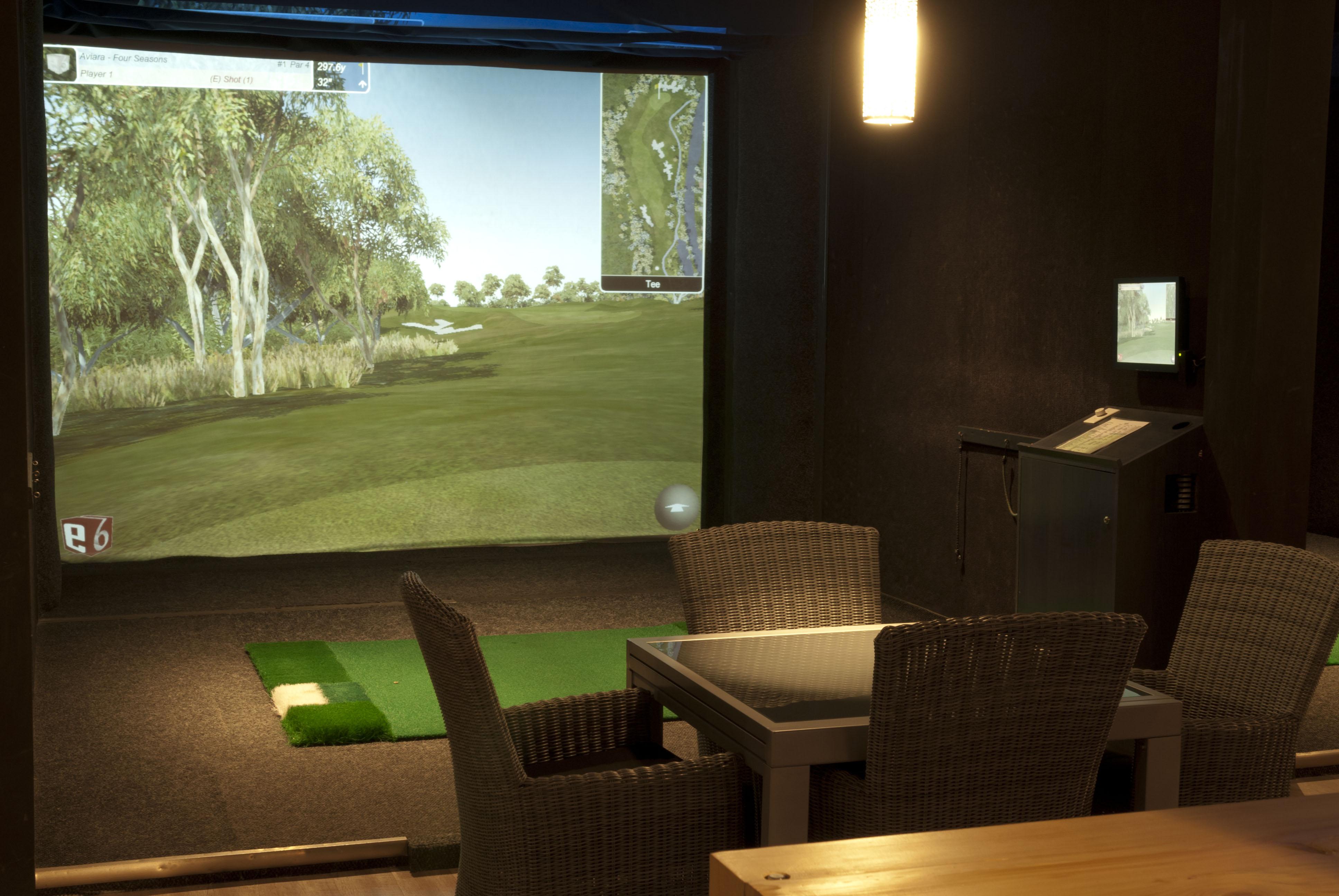 Golf O Max à Boucherville - Simulateur de golf virtuel